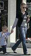 אמא ריס והילד דיקון יוצאים לשופינג