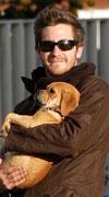 ג'ייק (ג'ילנהול) והכלבים