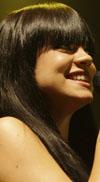סיבה לחייך? הזמרת הבריטית לילי אלן בהריון