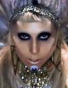 ליידי גאגא חזקה יותר מאופרה, ג'ולי והמלכה!