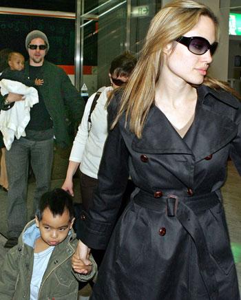 מר וגברת סמית' מגיעים לטוקיו