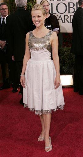 מי לבשה את השמלה של ריס וית'רפסון (לפניה)?