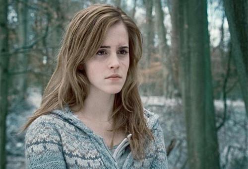 אמה ווטסון מכחישה את השמועות: אני לא יוצאת עם הנסיך הארי