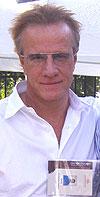 איש הנצח בבירת הצפון – ראיון עם כריסטופר למברט בפסטיבל חיפה