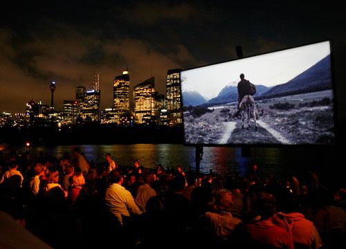 תוצאות סקר Seret: מה גורם לכם לבחור בסרט בקולנוע?