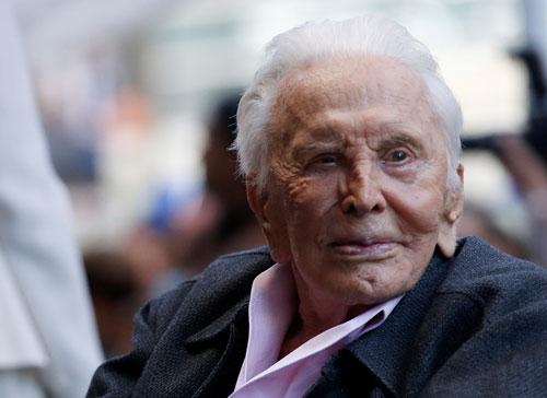 בגיל 103: הלך לעולמו כוכב הקולנוע האגדי קירק דאגלס