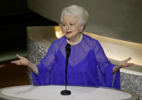 בגיל 104: הלכה לעולמה השחקנית אוליביה דה הבילנד (חלף עם הרוח)