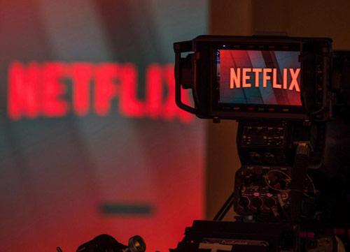 שובר מסך: נטפליקס מגדילה את תקציב התוכן המקורי ל-15 מיליארד דולר