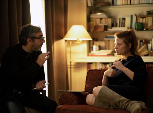 הסדרה היא ההשתקפות של התקוות והספקות שלנו: ראיון עם במאי בטיפול