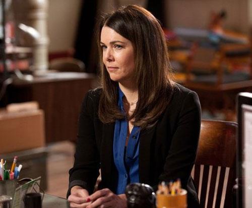 לורן גרהאם חוזרת לרשת CW, אך לא בתור שחקנית