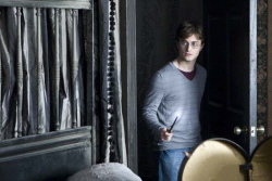 Loading Harry Potter and the Deathly Hallows 1 Pics 2 -  תמונה מספר 2 מהסרט הארי פוטר ואוצרות המוות חלק 1 ...