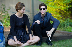 Loading The Fault in Our Stars Pics 2 -  תמונה מספר 2 מהסרט אשמת הכוכבים ...
